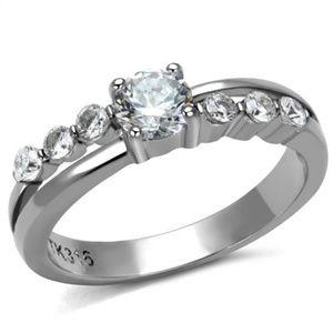ultrachicfashion.com Jewelry - High Polished CZ Ring